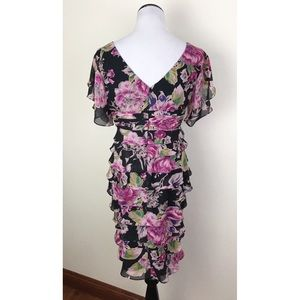 Adrianna Papell Dresses - Adrianna Papell Floral Tired Ruffle Dress 8 Petite